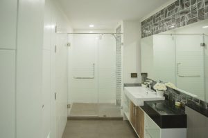 Dusit Grand Park 2-Bedroom bathroom