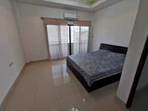 Large two storey 4-bedroom