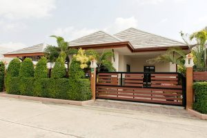 2-bedroom 2-storey house with Pool