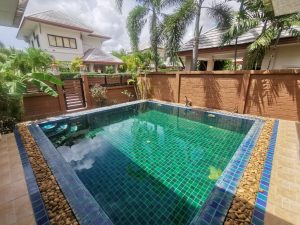 3-bedroom house with Pool